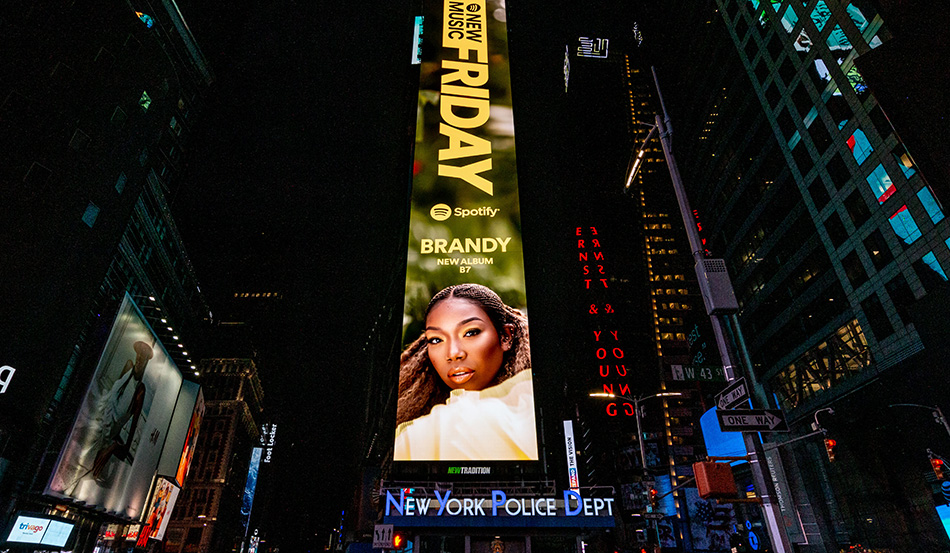 Brandy's b7 Tops the Charts –  and Has Critics Raving!
